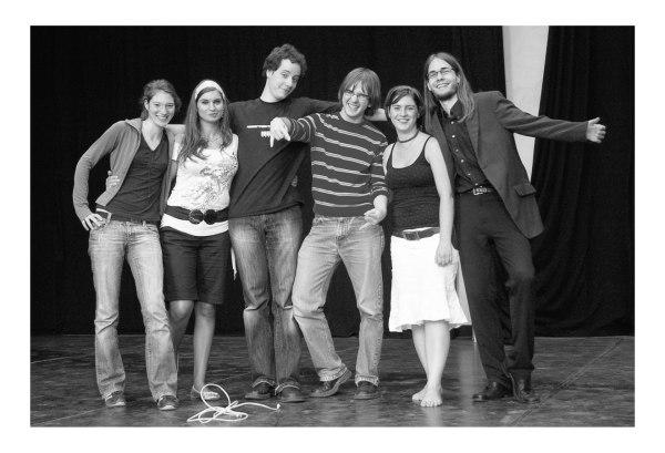 Gruppenbild in schwarz-weiß