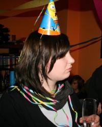 Johanna mit Partyhut, Foto vom 10.02.2009.