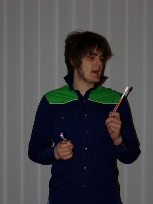 Ödipus lamentiert beim Zähne putzen. Foto vom 15.03.2009.