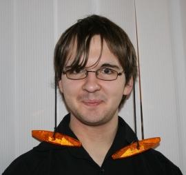 Ausnahmsweise spielt Stefan bei der Probe am 15.03.2009 das sprechende Fahrrad Drahton.