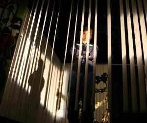 Ödipus (Martin) wie ein Vogel im goldenen Käfig im Palast des Theseus (nicht im Bild). Foto vom 19.04.2009.