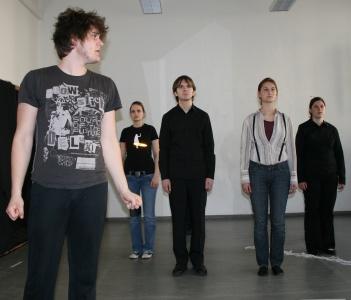 Ödipus und der Chor bei der Probe am 07.04.2009