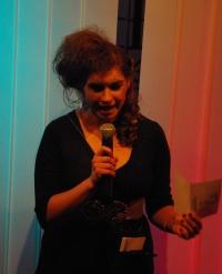 Die Sphinx (Mandy Promok) stellt eine ihrer quälenden Fragen. Foto vom 25.04.2009.