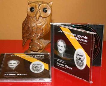 Hörbuch-CD Die Verteidigungsrede des Sokrates von Rainer Hauer; Im Hintergrund: Eine Eule